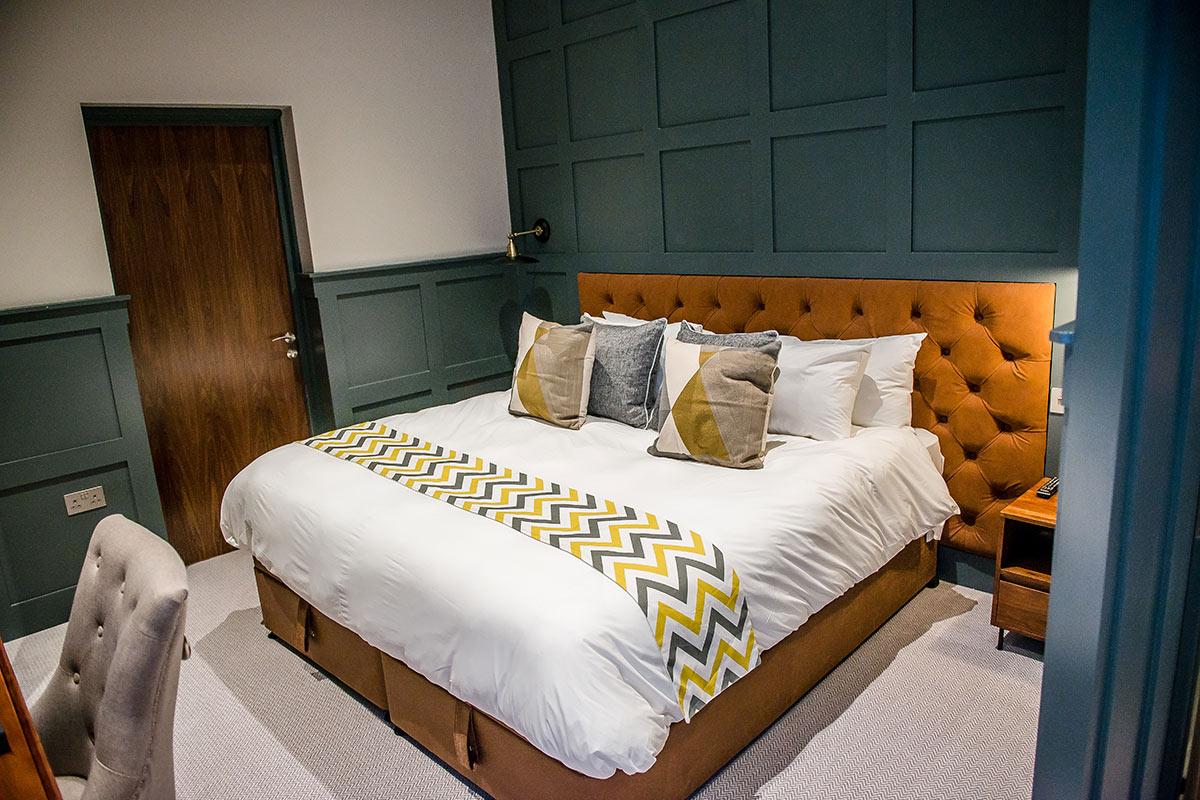 thonock park luxury bedroom