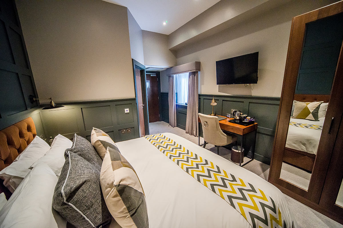 thonock park luxury room bed