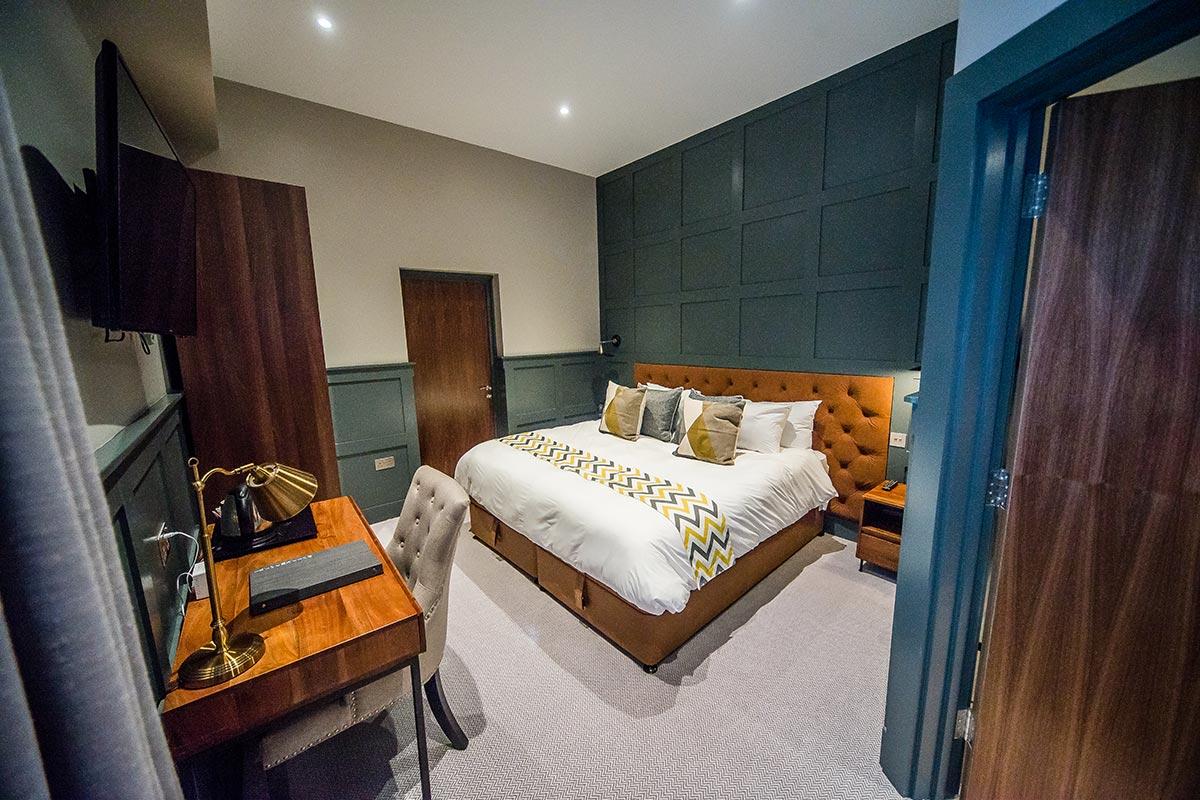 thonock park luxury room